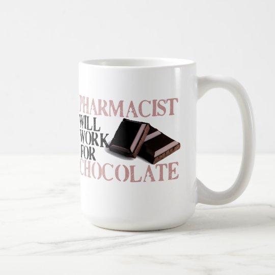 El farmacéutico trabajará para el chocolate taza de café
