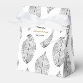 El favor blanco negro del boda de la hoja le caja para regalos