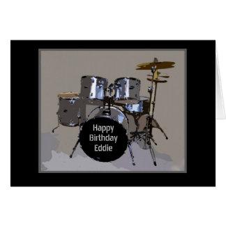 El feliz cumpleaños de Eddie teclea la tarjeta