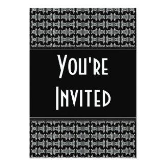 El fiesta blanco negro del modelo invita invitación 12,7 x 17,8 cm
