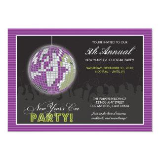El fiesta de Noche Vieja de la bola de discoteca Invitacion Personal