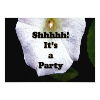 El fiesta de sorpresa de la fiesta de jardín invitación 12,7 x 17,8 cm