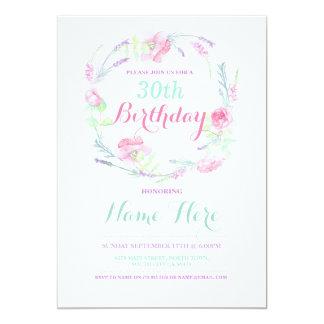 El fiesta floral rosado de la invitación del