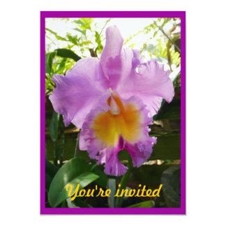 El fiesta púrpura hawaiano de la orquídea de invitaciones personales