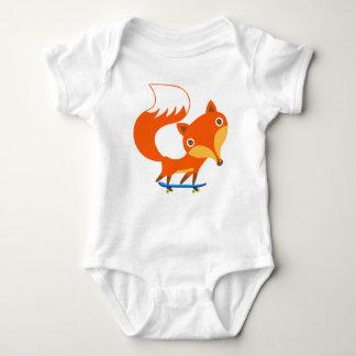 El Fox ama el monopatín Body Para Bebé