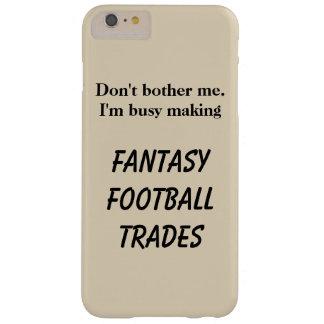 El fútbol de la fantasía negocia la caja del funda barely there iPhone 6 plus