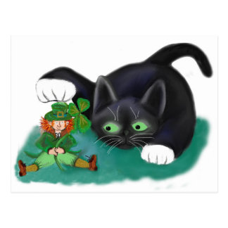 El gatito blanco y negro del smoking marca su postal