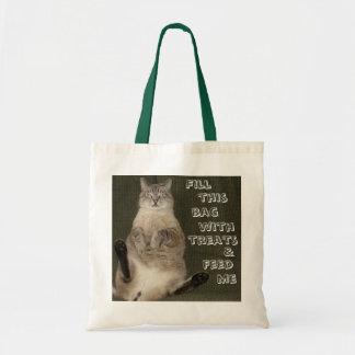 El gato TERRAPLÉN ESTE BOLSO CON las INVITACIONES