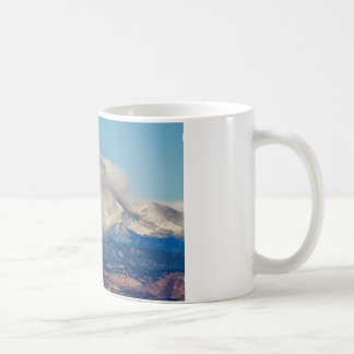 El gemelo enarbola la opinión del tiempo del taza básica blanca