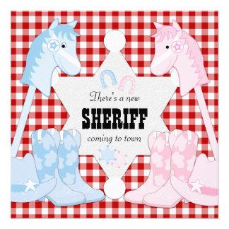 El género del vaquero del sheriff revela invitacio comunicado personal