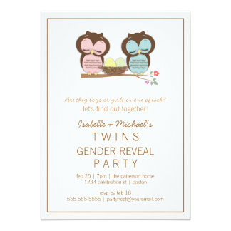 El género gemelo del bebé de los búhos lindos invitación 12,7 x 17,8 cm