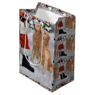 El golden retriever cree navidad bolsa de regalo mediana