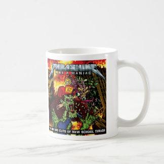 El GOLPEAR COMO una taza MANIACA de la bebida