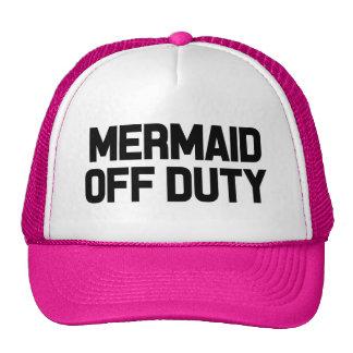 El gorra de las mujeres divertidas fuera de
