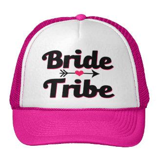 El gorra de las mujeres rosadas y negras de la