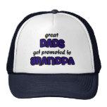 El gran papá consigue promovido al gorra del abuel