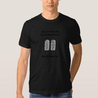El gris de la camiseta de diez mandamientos
