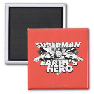 El héroe de la tierra del superhombre imán cuadrado