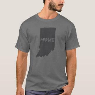 El hogar es camisa de la silueta del estado de