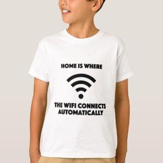 El hogar es donde el wifi conecta automáticamente camiseta