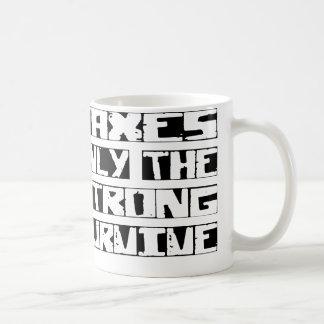 El impuesto sobrevive taza de café