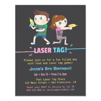 El juego de la etiqueta del laser embroma invitación 10,8 x 13,9 cm