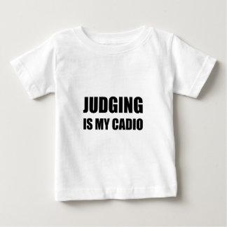 El juicio es mi cardiio camiseta de bebé