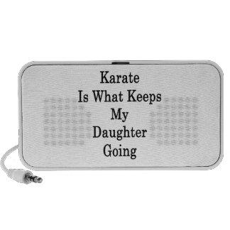 El karate es qué guarda mi ir de la hija altavoz de viajar