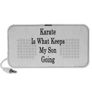 El karate es qué guarda mi ir del hijo altavoz de viajar