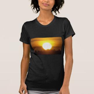 el kground añade la puesta del sol CONOCIDA de la Camiseta