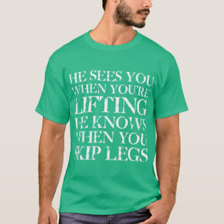 Él le ve cuando usted está levantando la camiseta