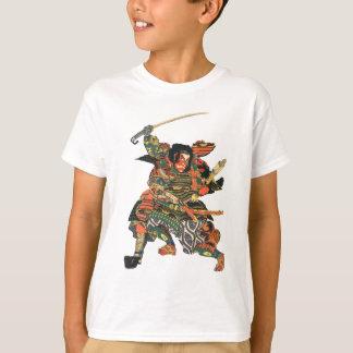 El luchar de los guerreros del samurai camiseta
