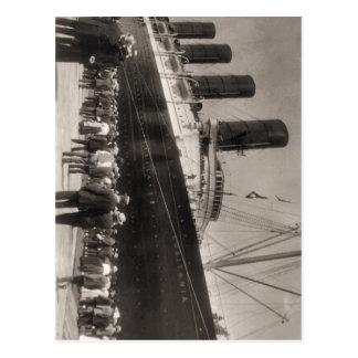 El Lusitania llega New York City 1907 Tarjeta Postal