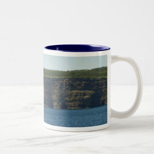 El mar de la isla de Bell excava la taza