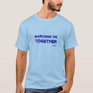 El marchar en junto la camiseta del Leeds United