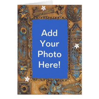 El marco antiguo de la llave maestra añade su tarjeta de felicitación