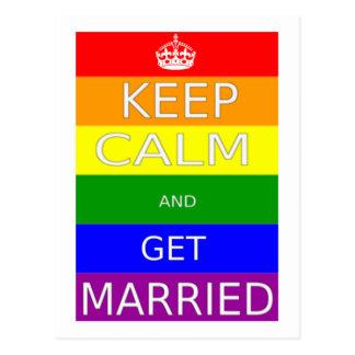 El matrimonio homosexual guarda calma y consigue postal