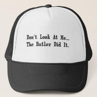 el mayordomo lo hizo gorra de camionero