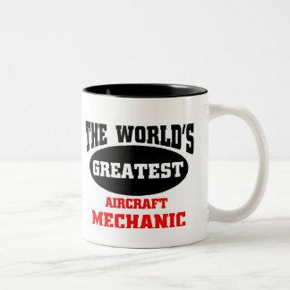 El mecánico de aviones más grande taza de dos tonos