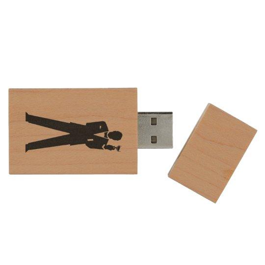 El mejor almacenamiento de la foto del hombre o memoria USB de madera