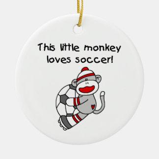 El mono del calcetín ama las camisetas y los adorno navideño redondo de cerámica