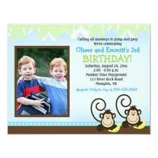 El mono tonto hermana cumpleaños de la foto invita invitación 10,8 x 13,9 cm