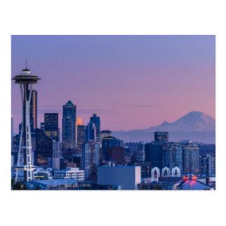 El Monte Rainier en el fondo Postal