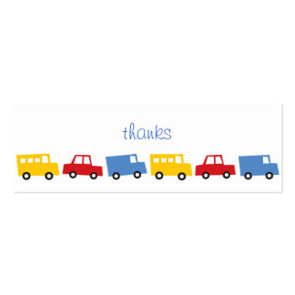 El muchacho del cumpleaños juega los camiones colo tarjetas de visita