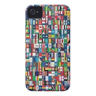 El mundo señala la caja del iPhone por medio de un iPhone 4 Protectores