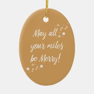 ¡El navidad adorna para los corredores! Felices Adorno Navideño Ovalado De Cerámica