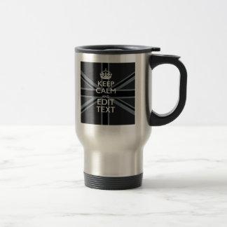El negro en negro guarda calma para conseguir su taza térmica