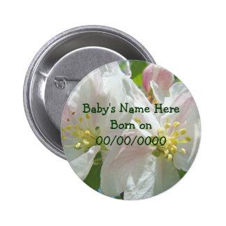 El nuevo bebé nacido abotona la fecha del nacimien pins