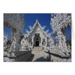 El nuevo todo el templo blanco de Wat Rong Khun ad Felicitaciones