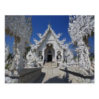 El nuevo todo el templo blanco de Wat Rong Khun Postal